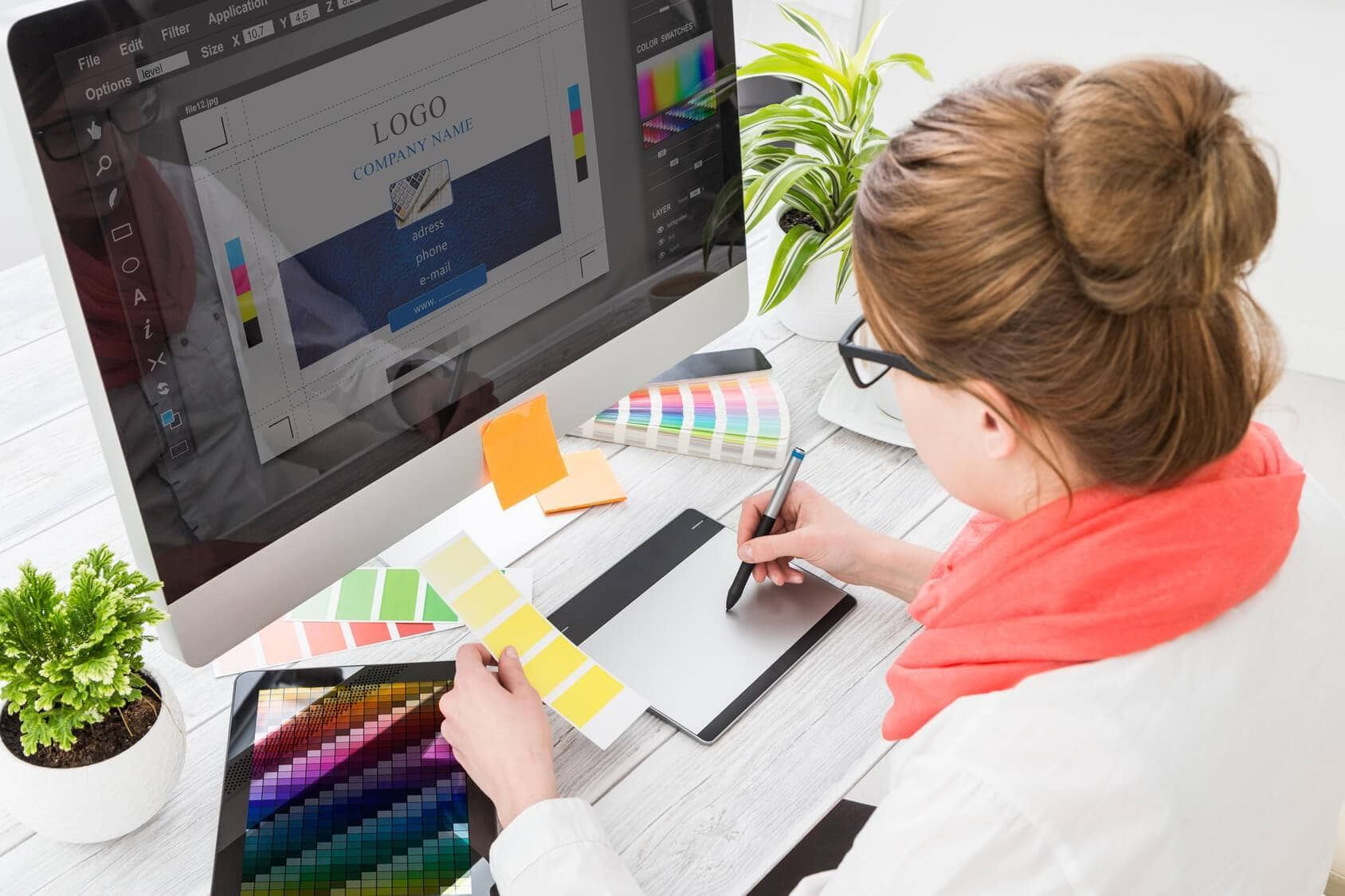 Graphic-designer-at-work